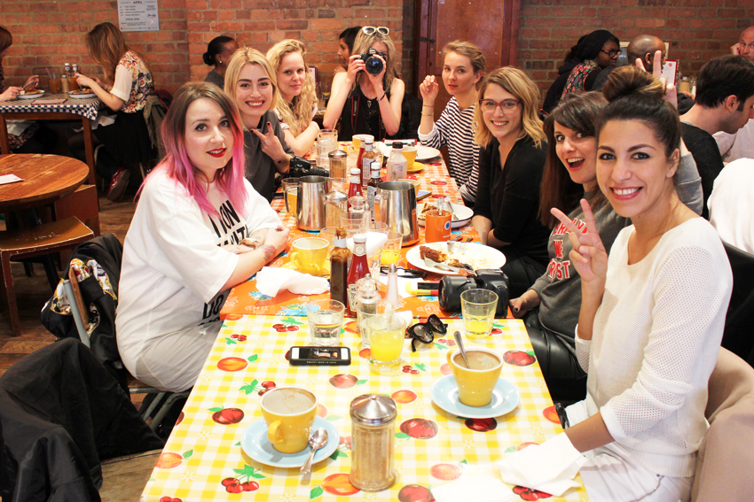 Fashion bloggers in Breakfast club London