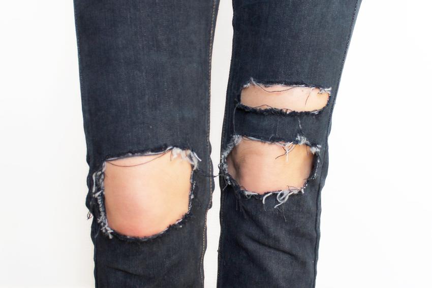Jean troué genoux