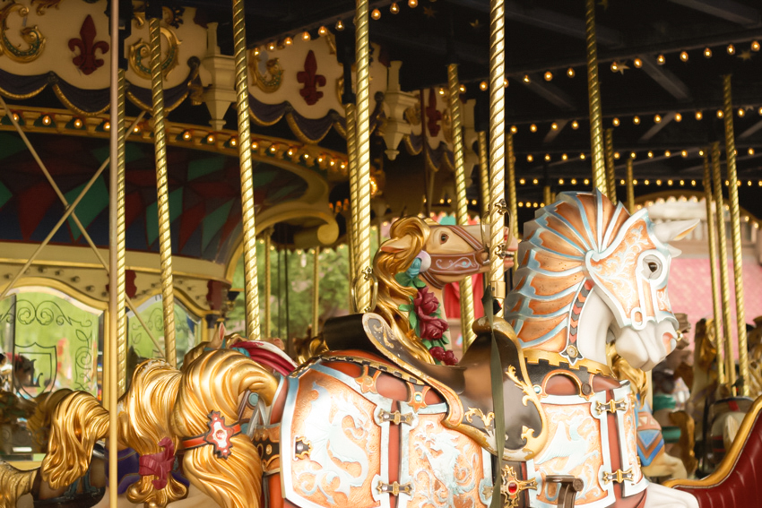 manège cheval disneylandparis