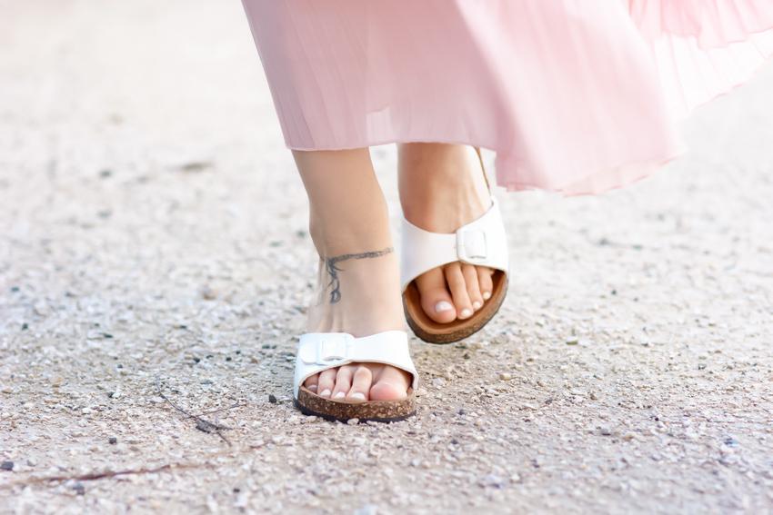 sandales mules blanches à boucles