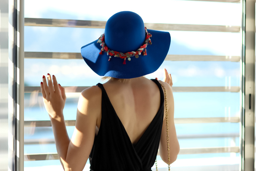 capeline bleue american apparel