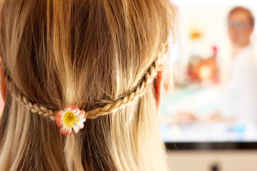coiffure tresse fleur