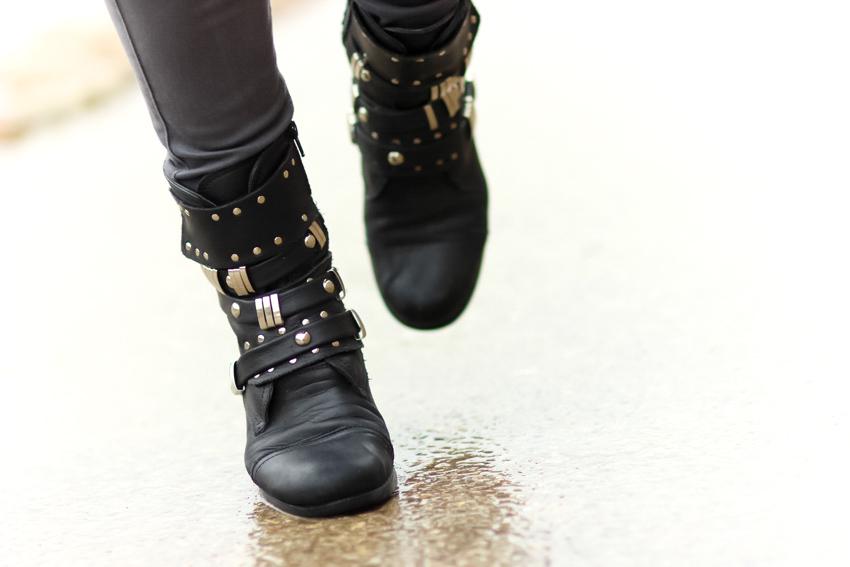 boots motardes cloutées