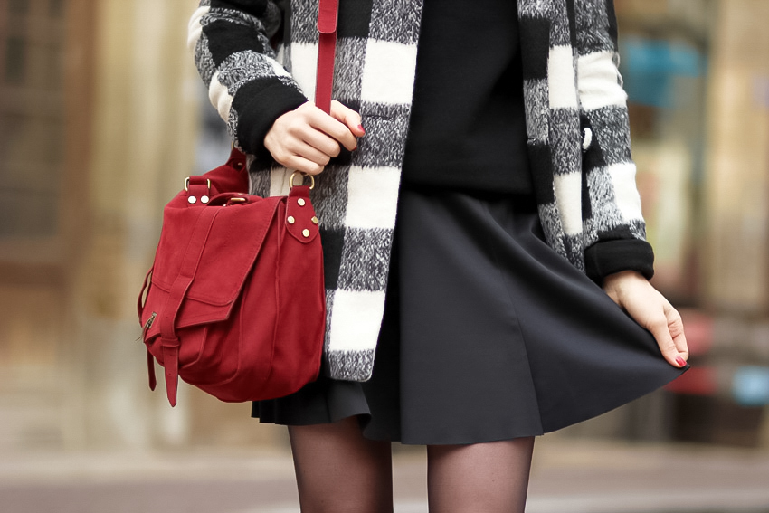sacoche rouge jupe patineuse noir blog mode lyon