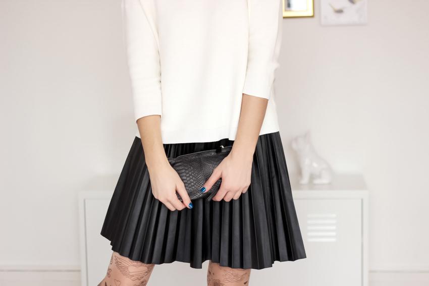 pull blanc 1 2 3 Paris jupe cuir plissée