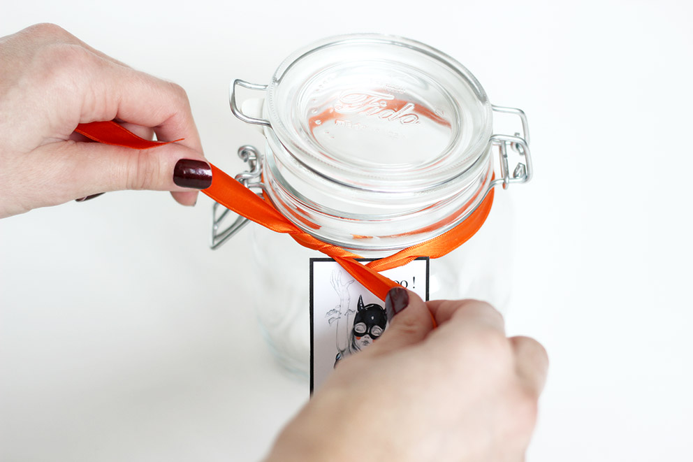 décorer un bocal pour halloween DIY