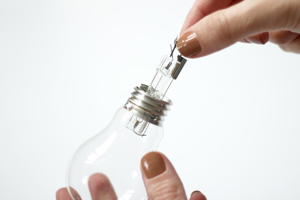 vider une ampoule blog DIY Artlex
