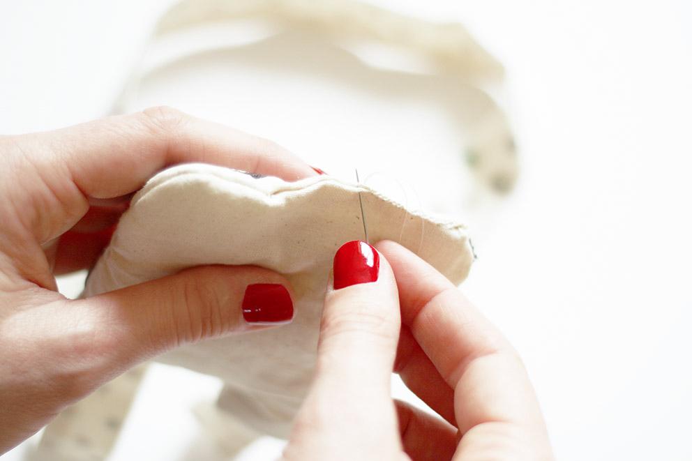 Coudre la main un doudou blog diy mode lyon artlex for Coudre a main
