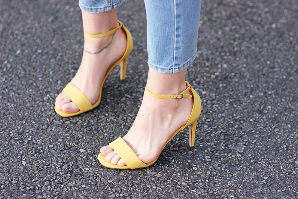 sandales jaunes à talons