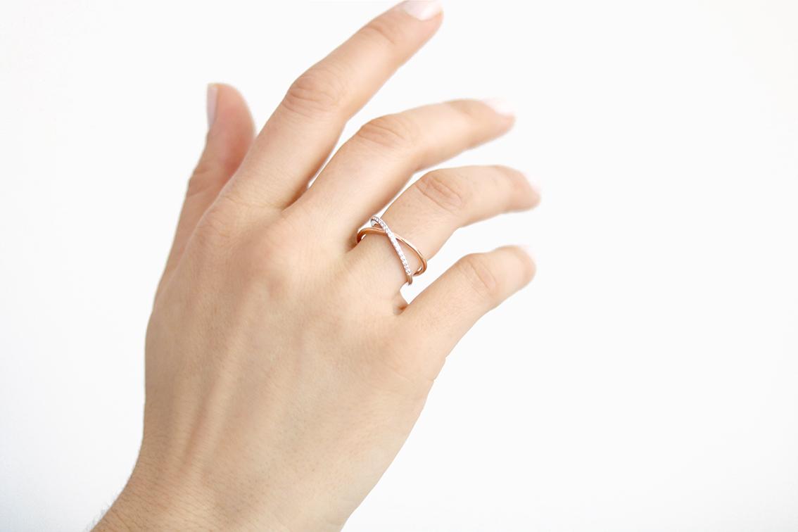 bague-croisée-diamant