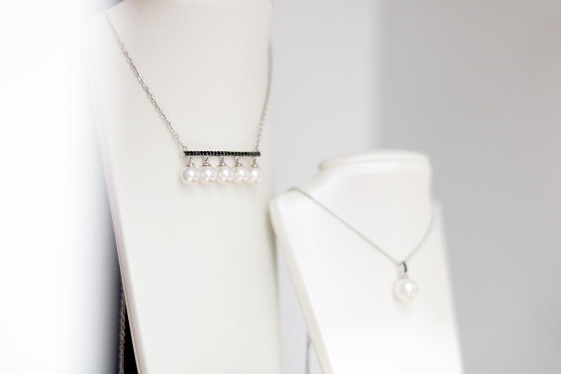 collier-moderne-avec-perles