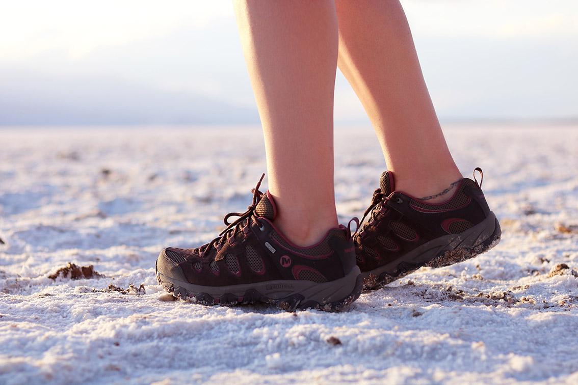 chaussures-de-randonnée-merrell
