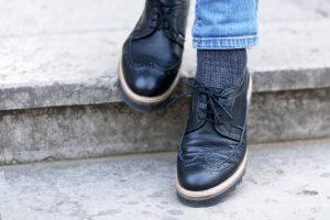chaussures-lacets-noires-cuir-sacha