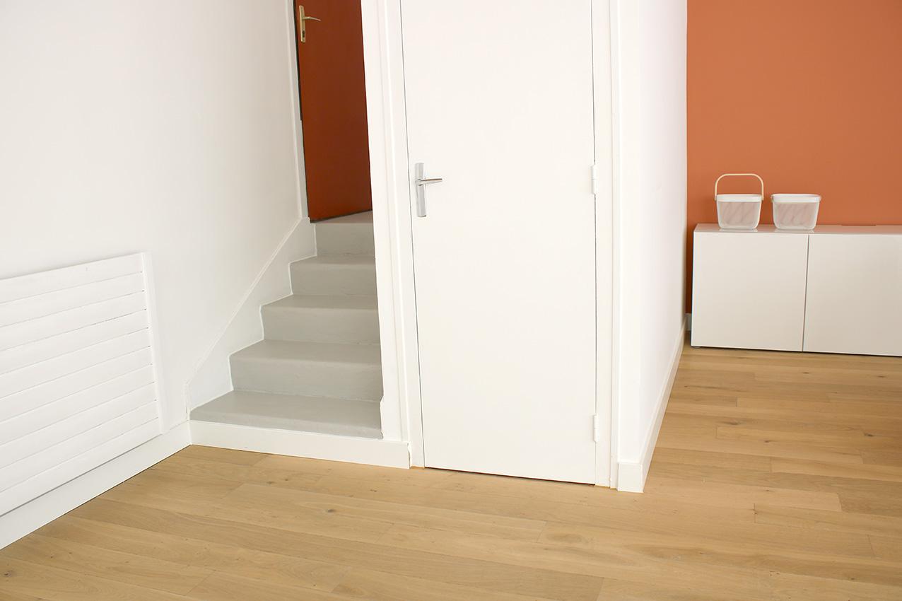 escalier-gris-beton