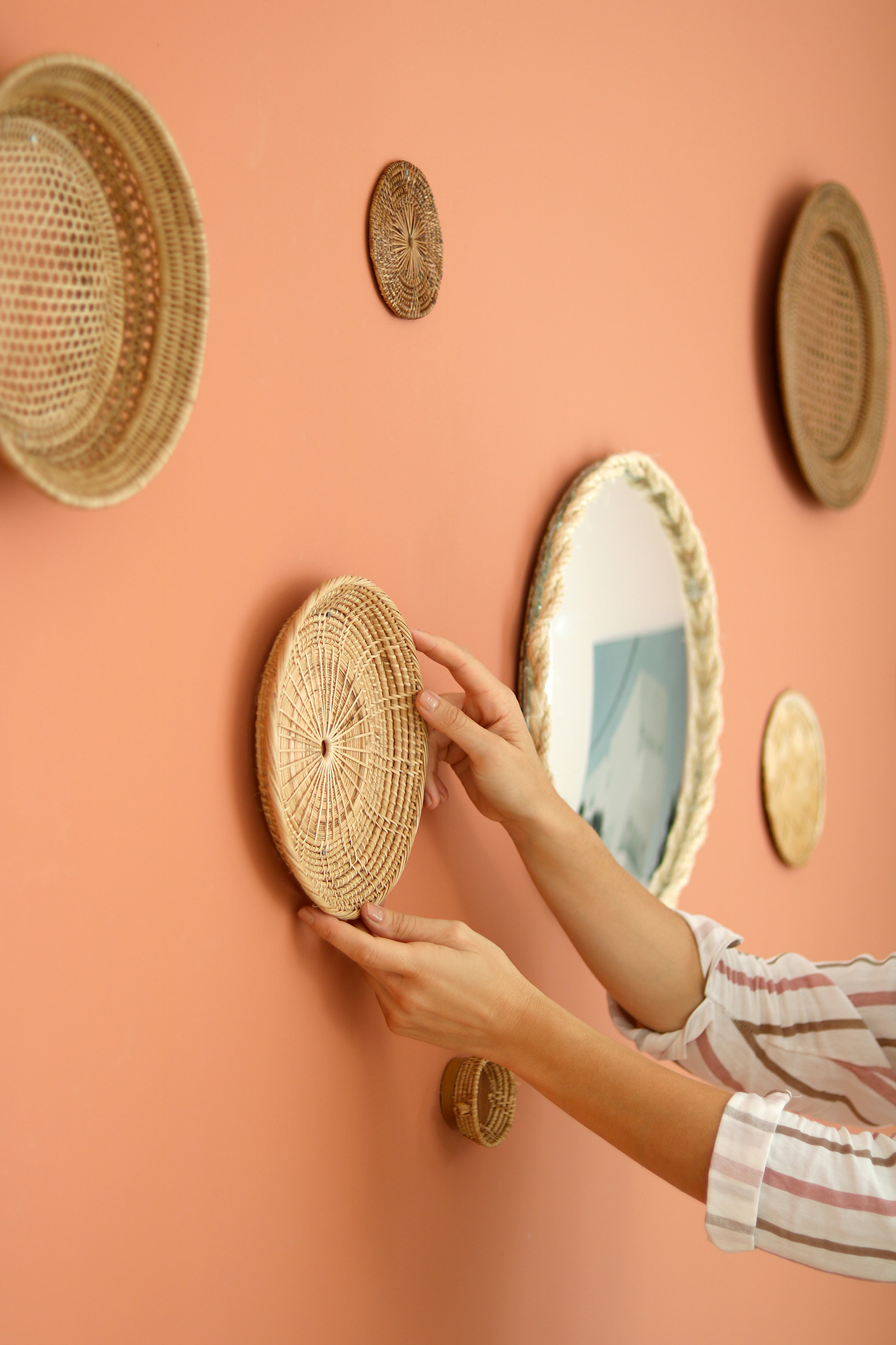 rattan-baskets-wall-inspiration