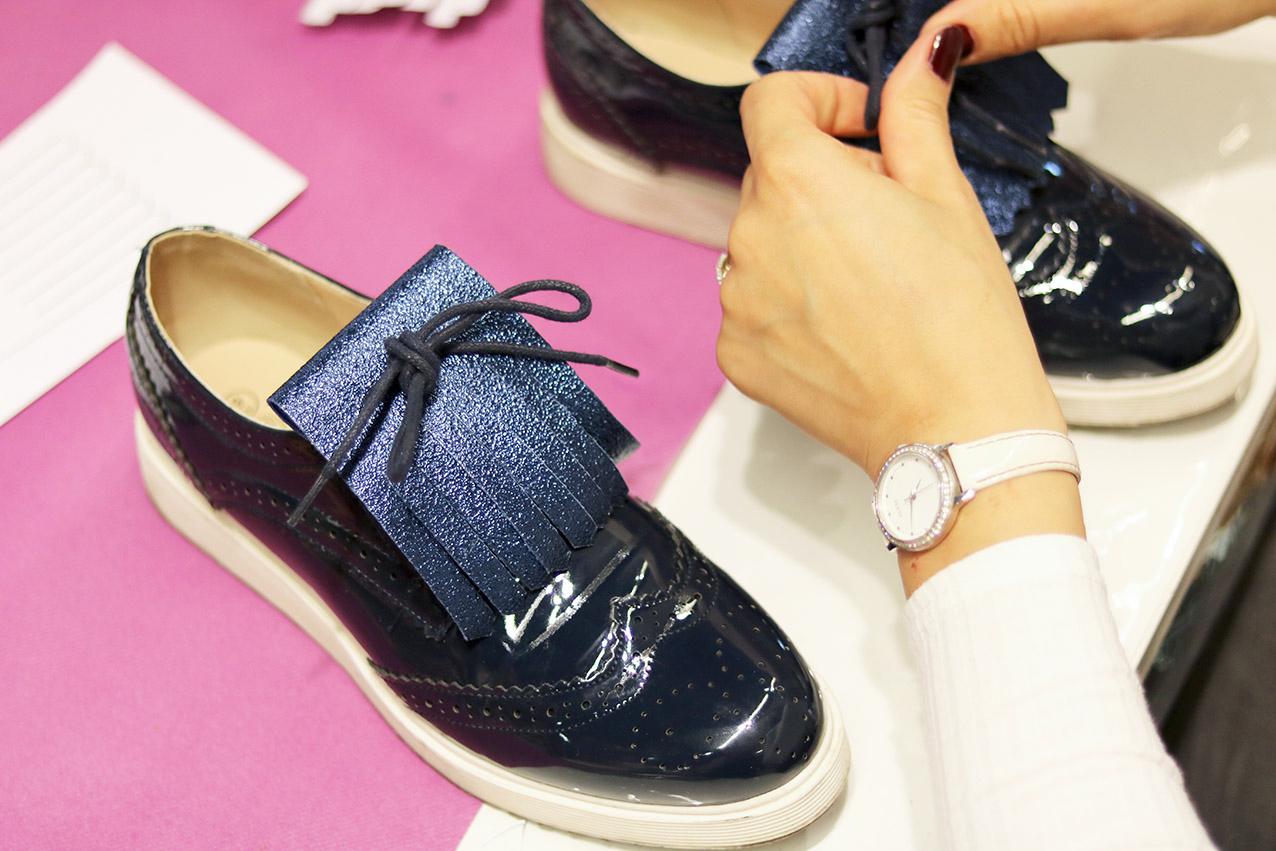 DIY-franges-en-cuir-chaussures