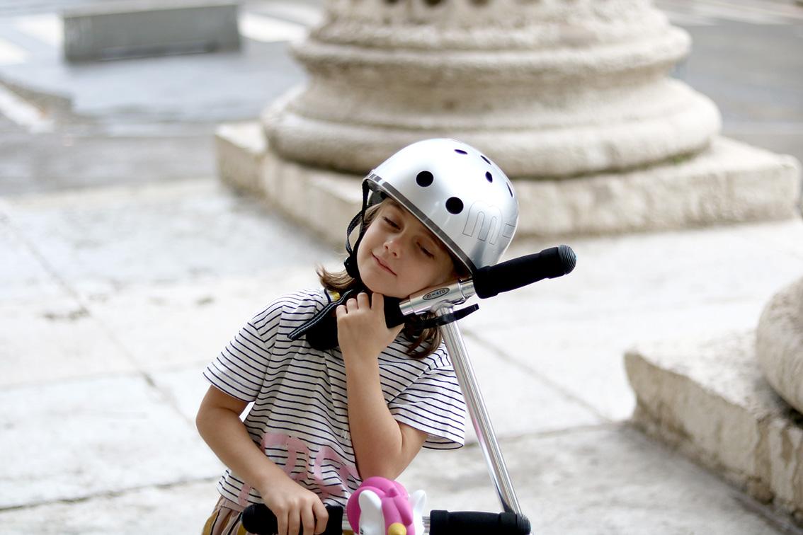 trottinette-pour-enfant-casque