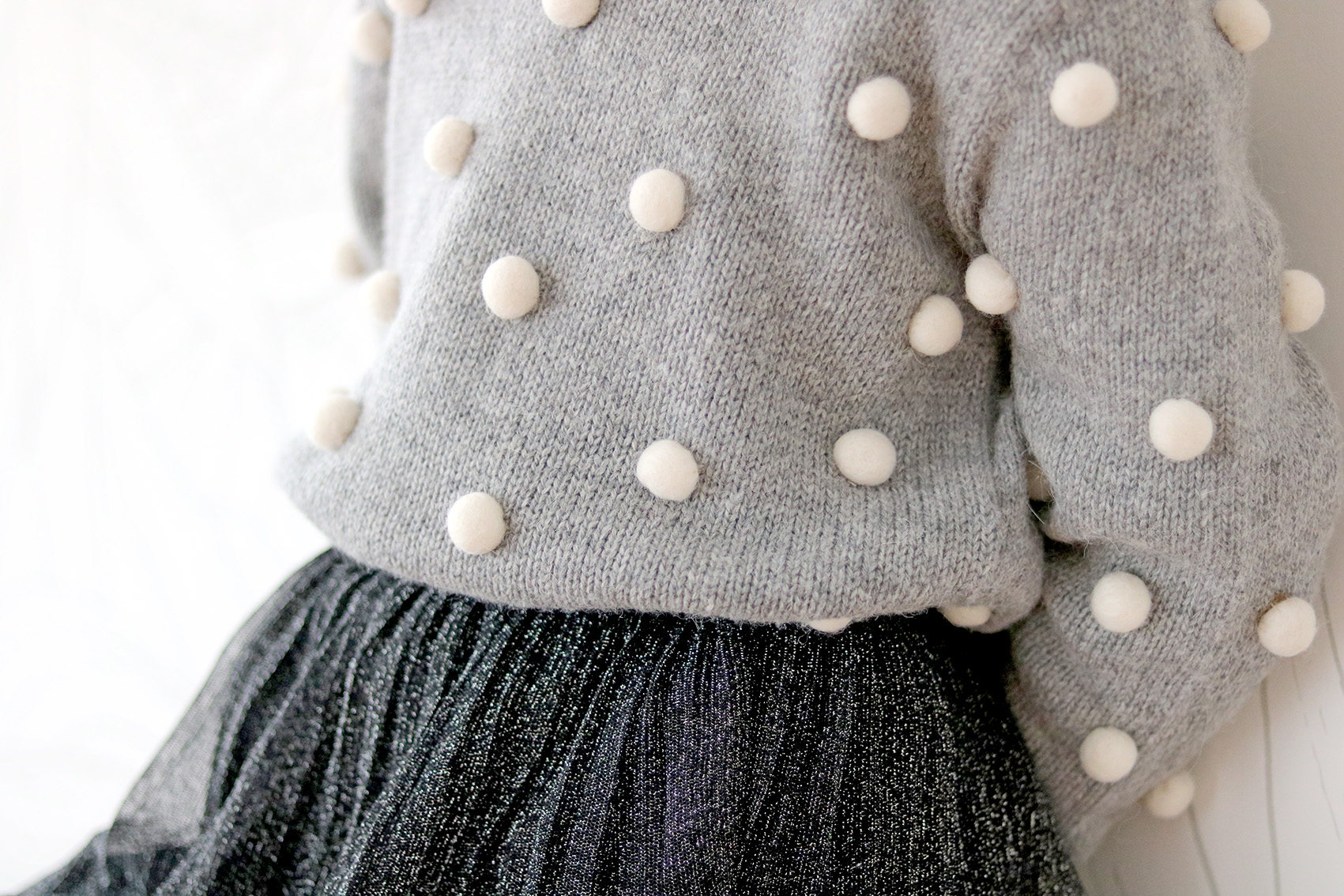 pompon-sweater-DIY