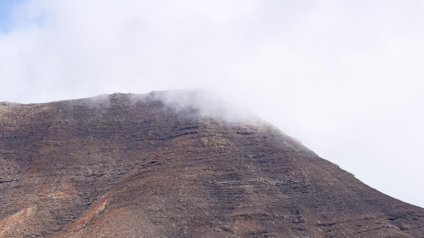 nuage-accroché-dans-montagne