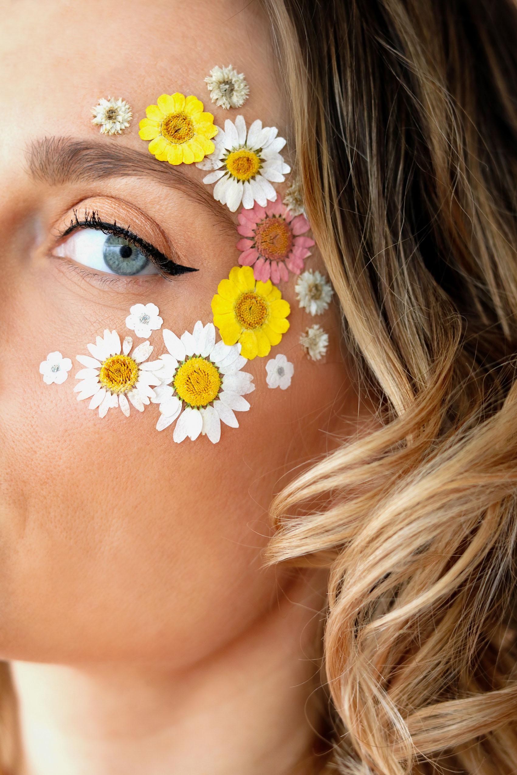 diy-maquillage-fleurs-sechees-visage